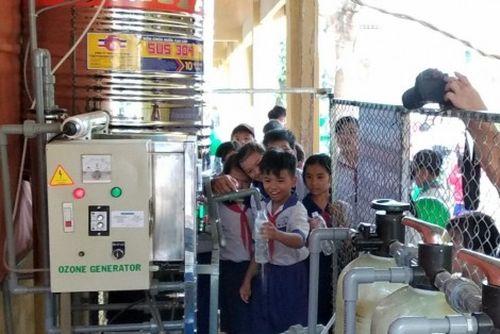 'Nước sạch học đường' đến với Trường Tiểu học B Phú Bình