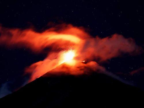 Guatemala: Núi lửa phun trào dữ dội, hàng nghìn người sơ tán khẩn cấp