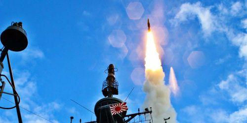 Lầu Năm Góc chấp thuận bán tên lửa SM-3 và tên lửa AIM-120C-7 cho Nhật Bản