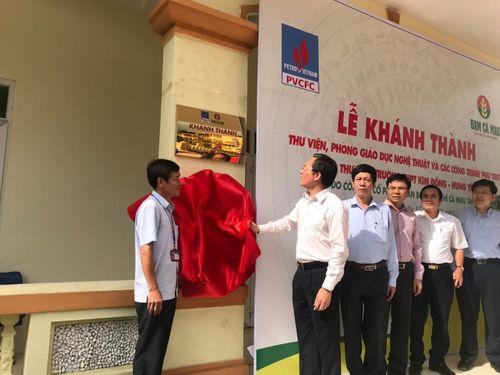 Đạm Cà Mau tài trợ xây thư viện Trường THPT Kim Động, Hưng Yên