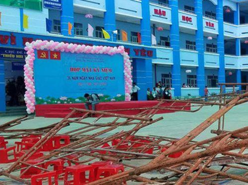 TP.HCM: Sập giàn giáo, hàng chục học sinh tiểu học bị thương