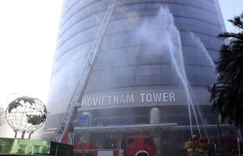 Diễn tập chữa cháy tại tòa nhà Petrovietnam tại TP HCM