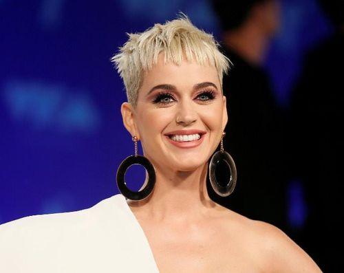 Top 10 nữ ca sĩ kiếm tiền khủng nhất năm 2018: Những người phụ nữ tuyệt vời