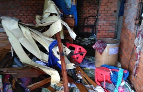 Tiền Giang: Bắt giữ đối tượng nghiện ma túy lên cơn 'ngáo' tự đốt nhà mình