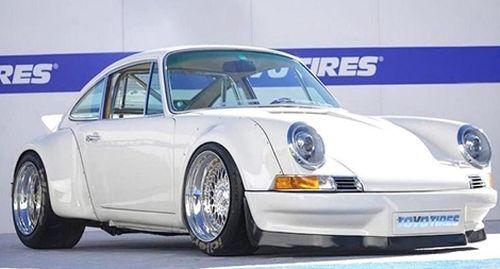 Độc đáo chiếc Porsche 911 cổ được độ… động cơ điện
