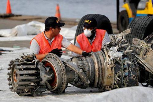 Lion Air sẽ tìm kiếm 64 nạn nhân còn lại trong vụ máy bay Indonesia rơi xuống biển