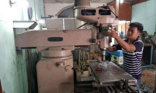 Kỹ sư 9X bỏ việc mở xưởng cơ khí khởi nghiệp