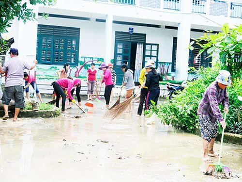 Khánh Hòa: Cảnh báo phụ huynh trông giữ trẻ cẩn thận ngày mưa lụt