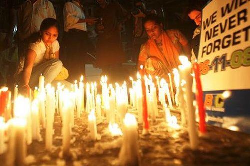 Ấn Độ tưởng niệm 10 năm loạt tấn công khủng bố tại Mumbai