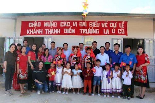 Tân Á Đại Thành tặng 5 bồn nước cho trường mầm non La Ú Cò (Lai Châu)