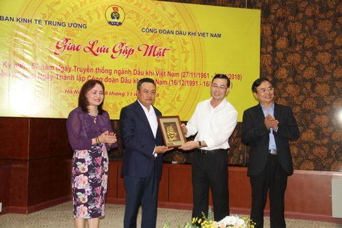 CĐ DKVN trao đổi kinh nghiệm công tác với Công đoàn Ban Kinh tế Trung ương