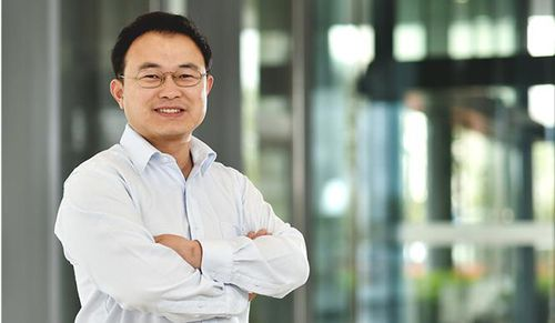 Sếp Alibaba nhận định AI vẫn còn thua xa con người