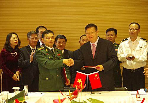 Lào Cai và Vân Nam (Trung Quốc) thống nhất tạo điều kiện thuận lợi cho hàng nông sản qua cửa khẩu