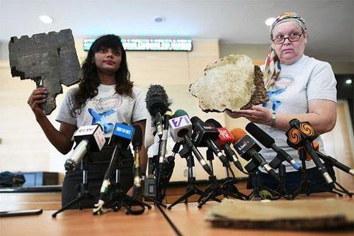 Tin tức mới nhất về MH370: Gia đình nạn nhân công bố mảnh vỡ máy bay mới