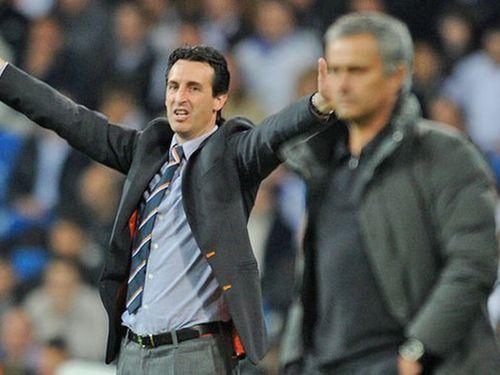 Tâm điểm Manchester United - Arsenal