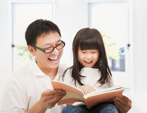 Khi nào bố mẹ đọc sách cho trẻ?