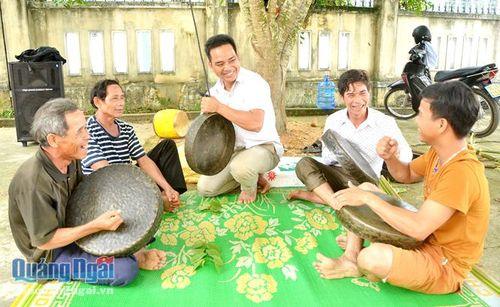 Gìn giữ văn hóa truyền thống của đồng bào Hrê