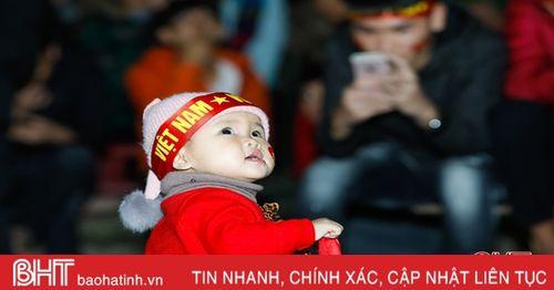 Người hâm mộ Hà Tĩnh 'tiếp lửa' cho ĐT Việt Nam