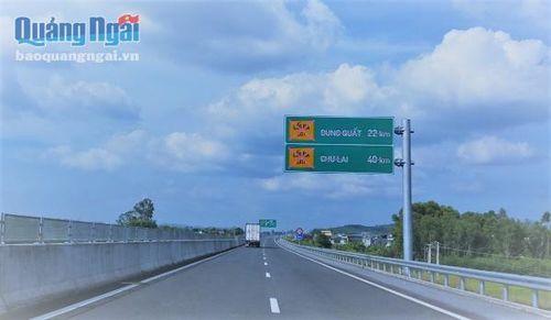 Lưu ý việc phân làn giao thông tại nút giao Chu Lai cao tốc Đà Nẵng-Quảng Ngãi