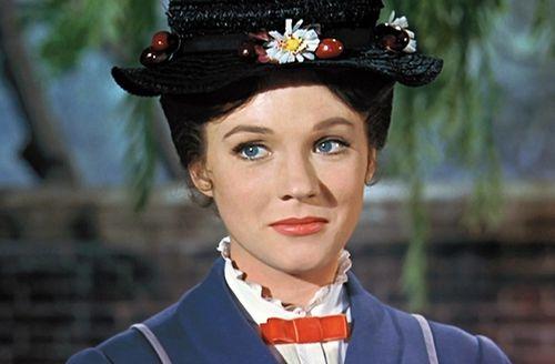 Vì sao phim về cô bảo mẫu Mary Poppins nhận được cơn mưa lời khen?