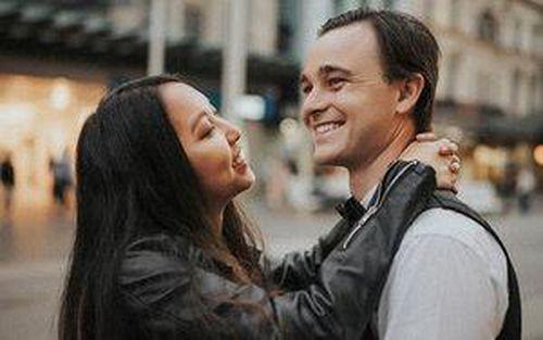 Hoa khôi du học sinh Việt tại Úc khoe ảnh 'tình bể bình' bên bạn trai 'soái ca' ngoại quốc