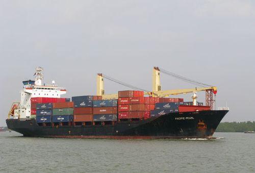 Các tàu cần tuân thủ quy định lắp thiết bị thông tin liên lạc