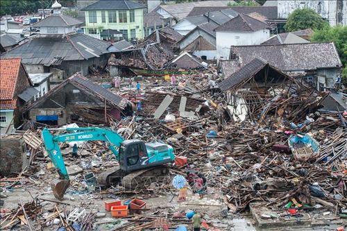 Thảm họa sóng thần tại Indonesia: Huy động máy bay không người lái tìm kiếm nạn nhân