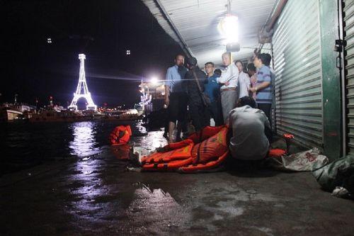 Điều tra nguyên nhân lật tàu làm 3 người thương vong trên vịnh Nha Trang