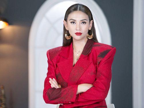 Võ Hoàng Yến dẫn đầu Top 5 người mẫu đột phá năm 2018