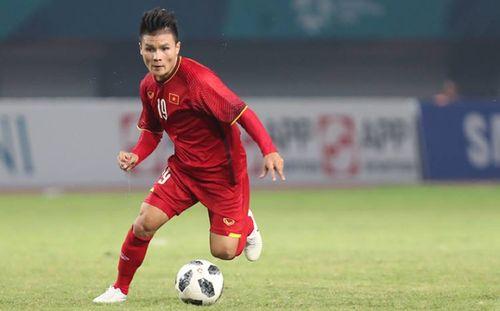 Tiền vệ Nguyễn Quang Hải vượt mặt 'Messi Thái'