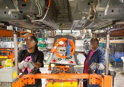 GM bị Liên hiệp Công nhân ô tô (UWA) khởi kiện