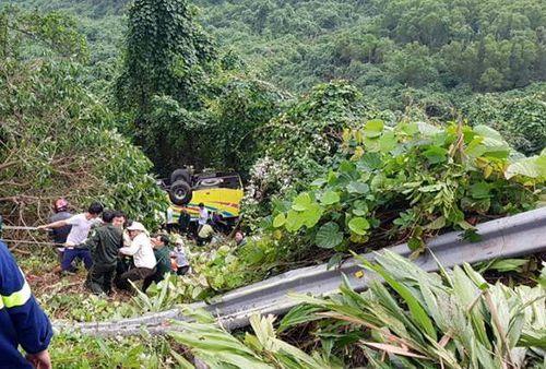 Tai nạn nghiêm trọng ở đèo Hải Vân: Xe khách chở hơn 20 người rơi xuống vực