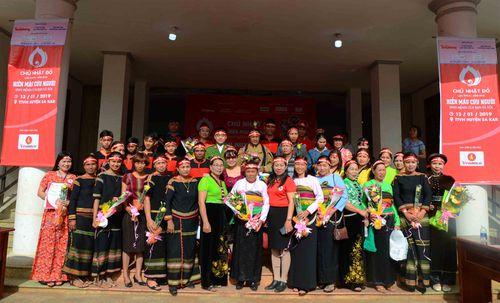 Đầu tư Chủ nhật Đỏ thành ngày hội đoàn kết các dân tộc