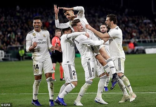 Barcelona thắng dễ, Real Madrid suýt 'ôm hận'