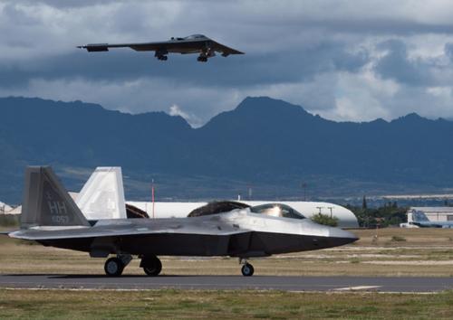 Tàng hình cơ B-2 trở lại bầu trời Hawaii, trực chiến 24/7 giữa căng thẳng với Trung Quốc