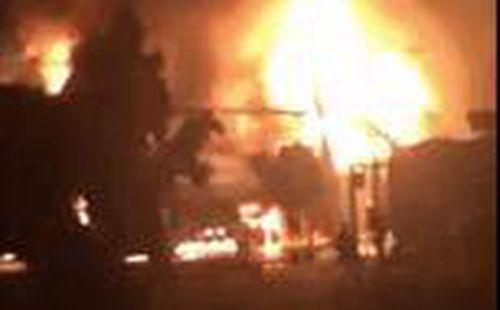 Đồng Nai: Cháy lớn ở cây xăng, hàng trăm người dân hoảng sợ bỏ chạy thoát thân