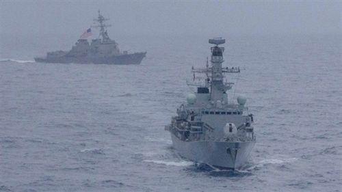 Mỹ- Anh diễn tập chung 6 ngày trên biển Đông