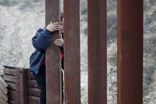 Hàng trăm người di cư Trung Mỹ tới biên giới Guatemala