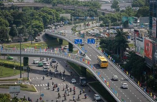 Hoàn tất cầu vượt thép nút giao Nguyễn Kiệm