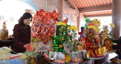 Xa rồi thời chen chân trả lễ cuối năm tại đền Bà Chúa kho (Bắc Ninh)