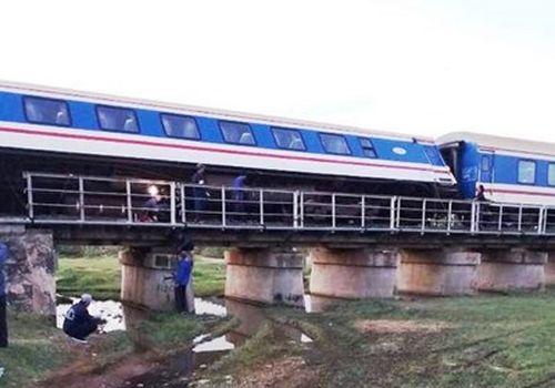 Thông tàu đường sắt Bắc - Nam sau sự cố ở Bình Thuận