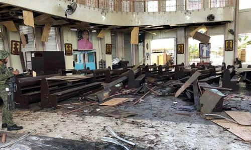 Philippines rung chuyển vì bom, hơn 100 người thương vong