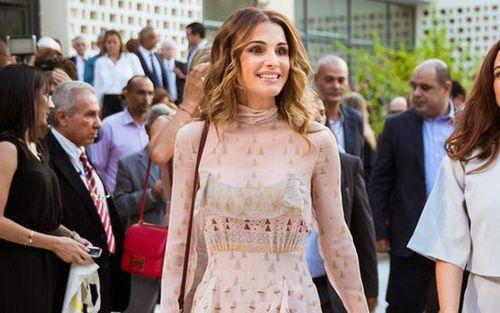Bí quyết giữ nhan sắc tươi trẻ ở tuổi U50 của Hoàng hậu Jordan