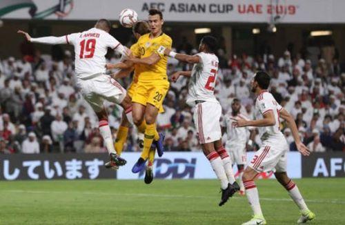 UAE chơi trội, mua hết vé không cho cổ động viên Qatar xem bán kết Asian Cup 2019