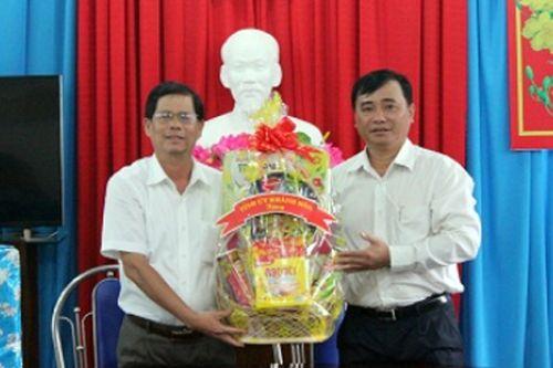 Chủ tịch HĐND tỉnh Khánh Hòa chúc Tết Trung tâm Bảo trợ xã hội tỉnh