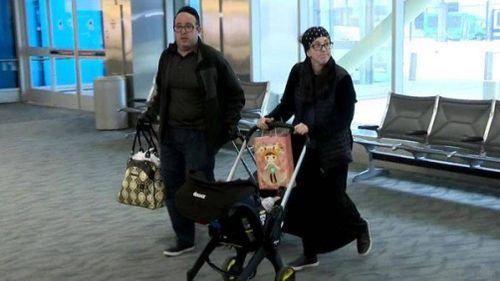 Cả gia đình bị đuổi khỏi chuyến bay vì... mùi cơ thể