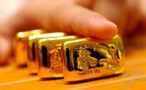 Giá vàng hôm nay 1/2: Lập đỉnh mới