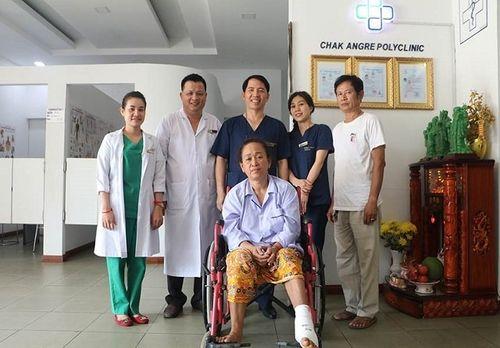 Bác sĩ Việt kiều trên đất nước Chùa Tháp hết lòng vì bệnh nhân