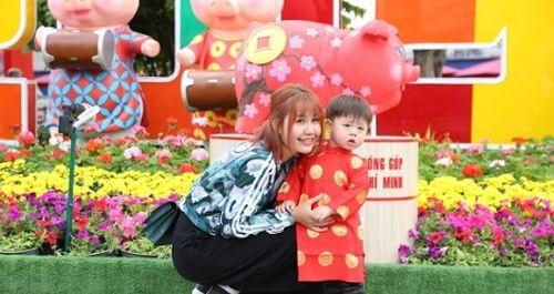Người dân nô nức du Xuân đường hoa Nguyễn Huệ 2019