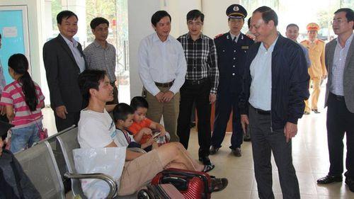 Thứ trưởng Bộ GTVT kiểm tra bến xe, nhà ga tại Nghệ An ngày cuối năm